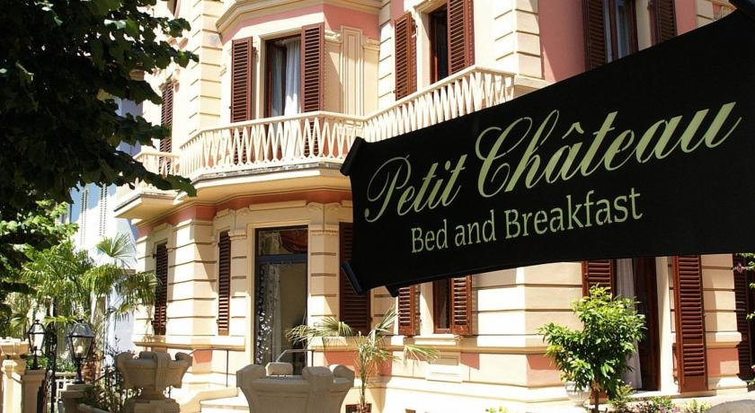 Foto Petit Chateau Bed and Breakfast