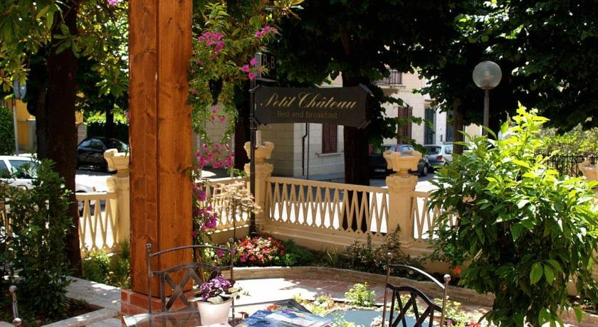 Petit Chateau Bed and Breakfast - Giardino